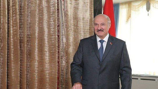 Лукашенко: вынос флагаРФ вРио— знак солидарности сроссийскими спортсменами