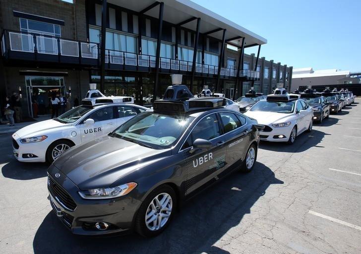 Сервис для вызова автомобилей Uber запустил самоуправляемые такси в Питтсбурге, США.