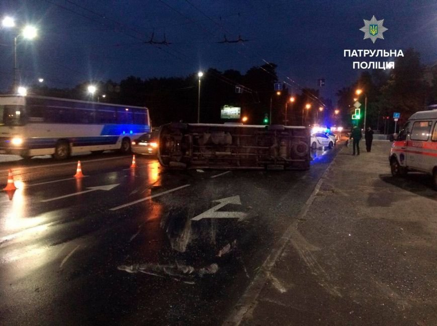 Маршрутка спассажирами угодила вДТП