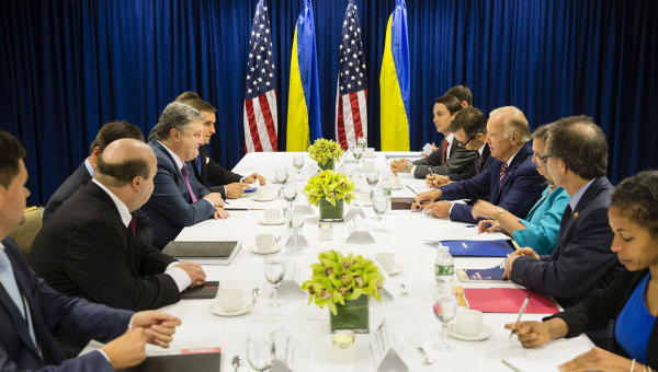 США обещали Украине кредитных гарантий на млрд. долларов