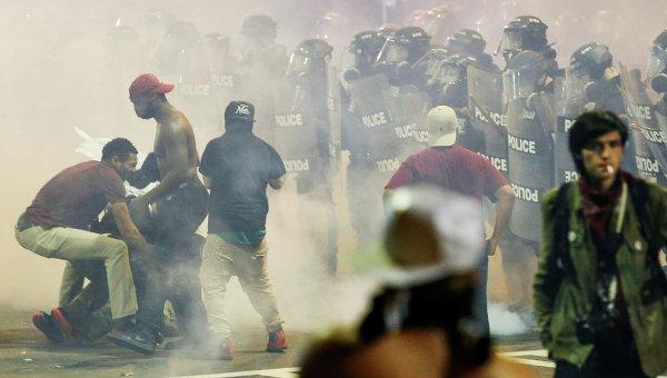 массовые беспорядки и протесты в городе Шарлотт (Северная Каролина)