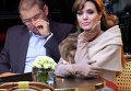 Украинцы ищут нового мужа для Анджелины Джоли. Фотожабы