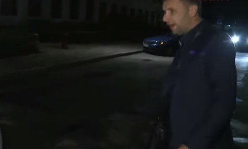 Парасюк трощит машину Вилкула. Видео