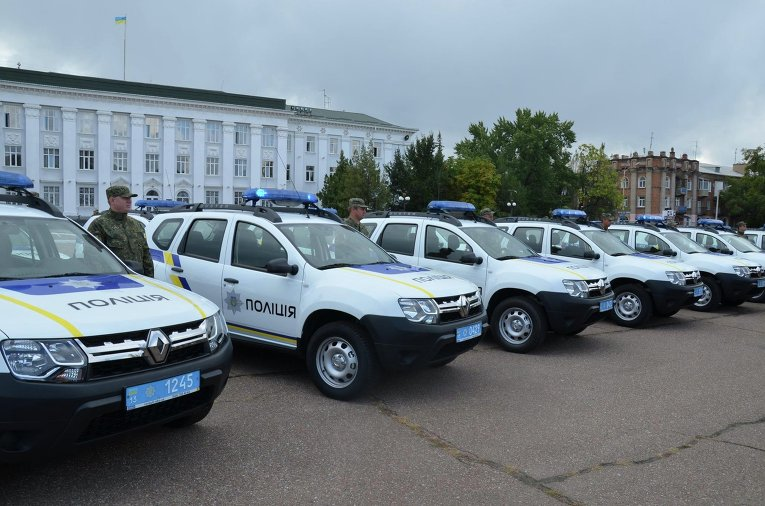 Аваков сообщил милиции Донбасса 86 авто Рэно