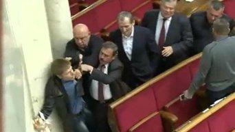 Потасовка в ВР между Алексеем Гончаренко и Оппблоком