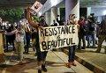 Власти города Шарлотт в штате Северная Каролина, где третий день не прекращаются протесты после убийства полицией темнокожего жителя, объявили о введении комендантского часа.
