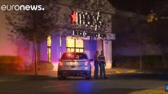 В результате стрельбы у ТЦ в штате Вашингтон погибли 4 человека
