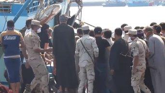 Крушение лодки с мигрантами у берегов Египта, 168 погибших. Видео