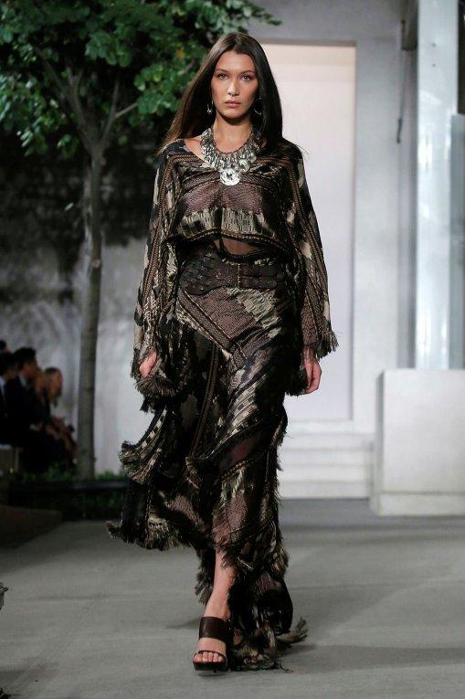 Белла Хадид. Неделя моды в Милане