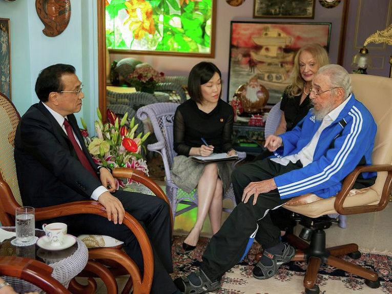 Бывший президент Кубы Фидель Кастро и китайский премьер Ли Кэцян встретились в Гаване.