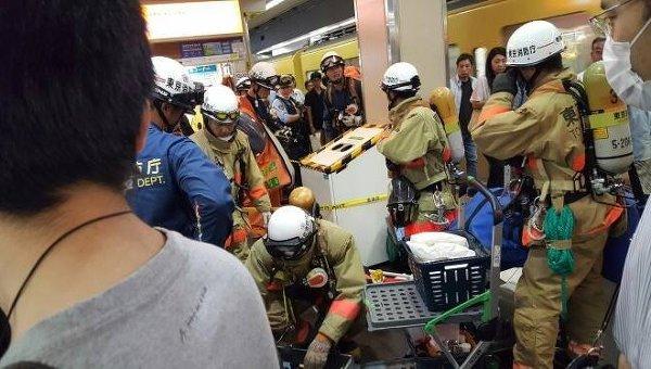 СМИ проинформировали о вероятной газовой атаке вметро Токио