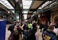 На месте крушения поезда в штате Нью-Джерси