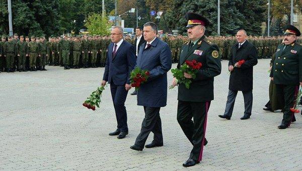 Кортеж Арсена Авакова грубо нарушел ПДД наглазах милиции столицы Украины