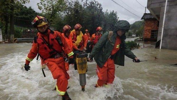 Наюго-западе Китая эвакуировали неменее 30 служащих затопленной ГЭС