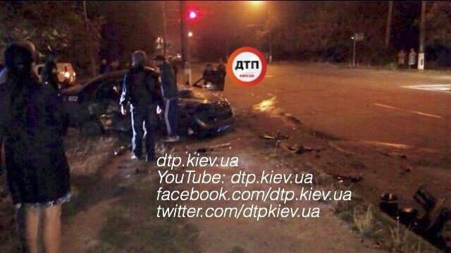 Под Киевом в ДТП погибли двое полицейских