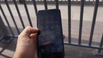 Украинец выбросил iPhone 7 из самого высокого здания мира. Видео