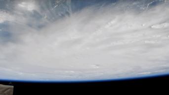 НАСА опубликовало видео урагана Мэтью, снятое из космоса