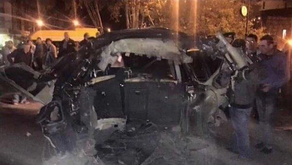 На месте подрыва машины оппозиционера в Тбилиси