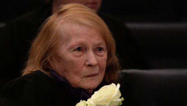 Состояние исполнительницы Ивановой, популярной по кинофильму «Служебный роман», тяжелое