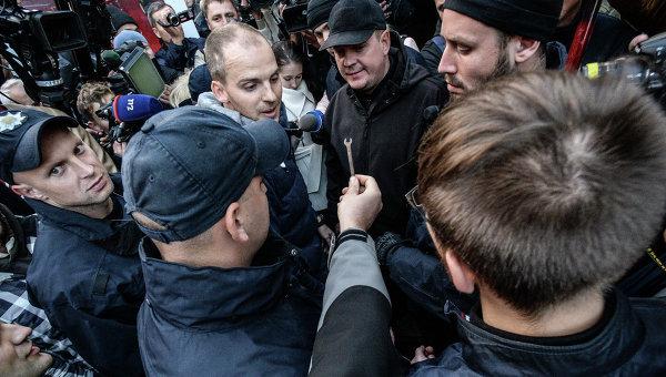 Митинг под зданием телеканала Интер