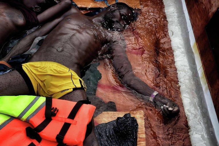 Более 1,2 тысячи нелегальных мигрантов были спасены у берегов Ливии