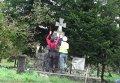 Вандалы разрушают памятник бойцам УПА в Польше