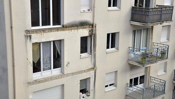 ВоФранции 4  человека погибли из-за обрушившегося балкона