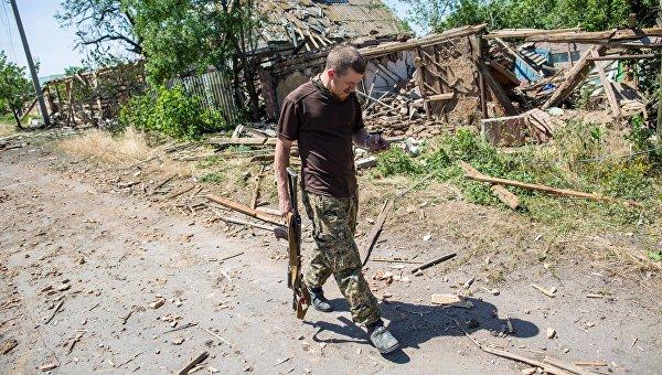 Боец народного ополчения ДНР с позывным Моторола. Архивное фото