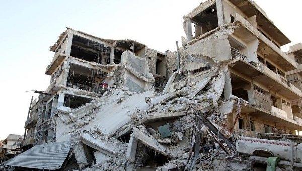 Сирийский город Алеппо после авиаударов. Архивное фото