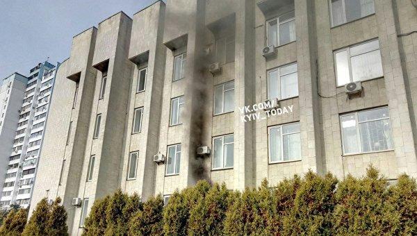 ВКиеве загорелось сооружение Деснянской РГА