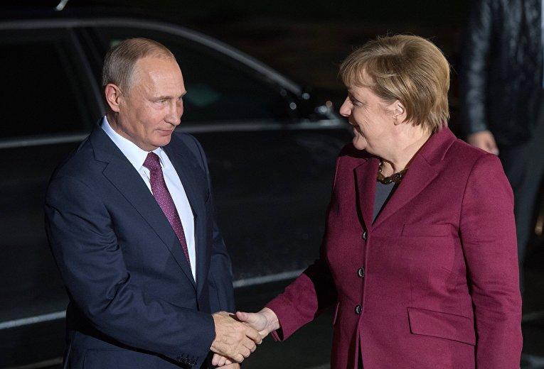 Путин прибыл вБерлин
