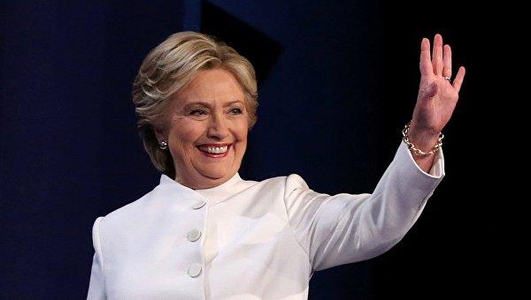 Очем-то догадывается? Хиллари Клинтон отменила победный салют