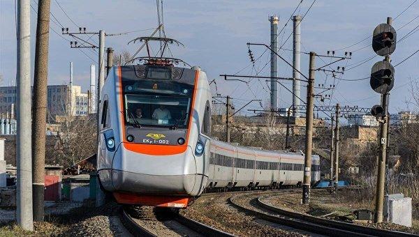 Омелян объявил, что Украина желает запустить поезд «Будапешт Мукачево» поевропейской колее