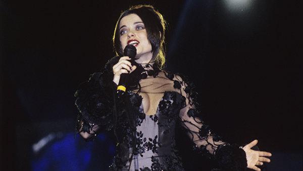 Эстрадная певица Наташа Королева