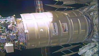 Стыковка космического грузовика Cygnus к МКС. Видео