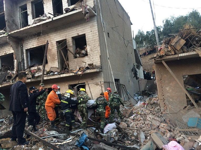 Спасательная операция на месте взрыва в провинции Шэньси, Китай