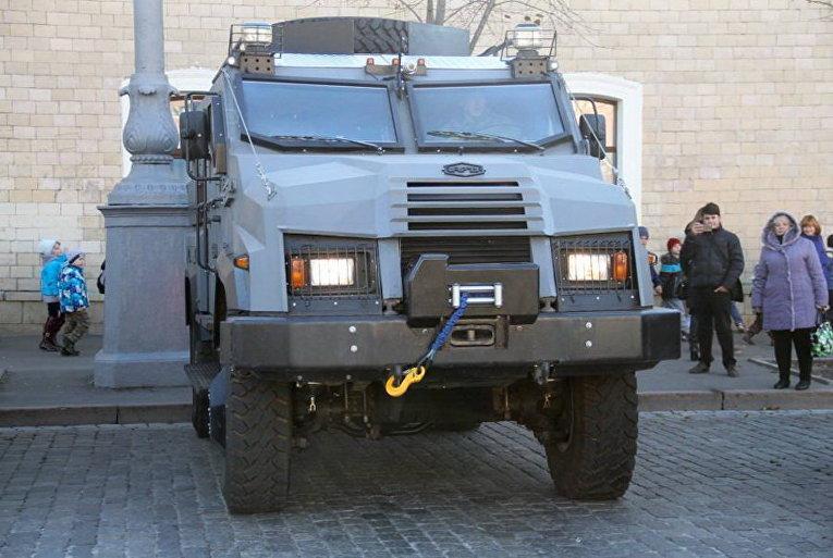 Полиция Харькова получила новые авто для спецназа