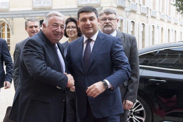 Завтра украинский премьер отправится воФранцию