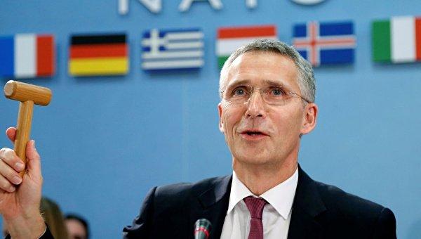 Столтенберг призвал страны НАТО противодействовать «российской пропаганде»