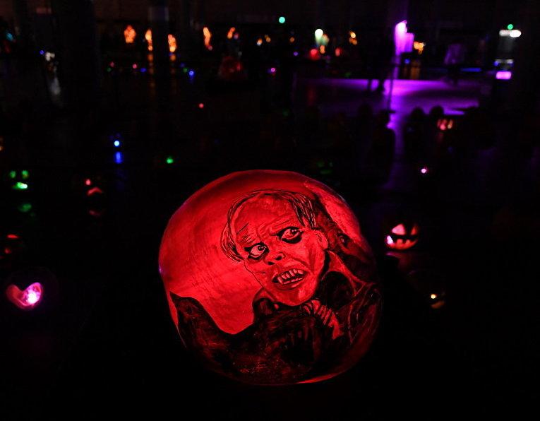 Подготовка к Хеллоуину в США