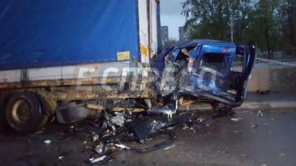 НаТроещине шофёр Порш устроил смертельное ДТП и убежал