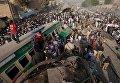 Столкновение поездов в Пакистане, количество погибших превысило 20 человек