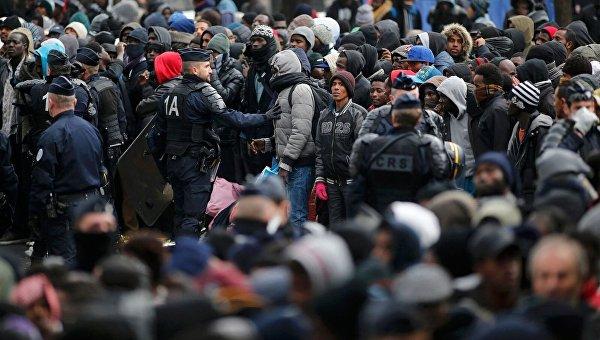 Мигранты в ЕС. Архивное фото