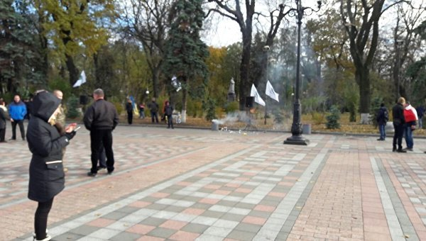 Уздания Верховной Рады Украины произошел взрыв