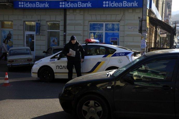 В Днепре патрульное авто сбило пожилого мужчину