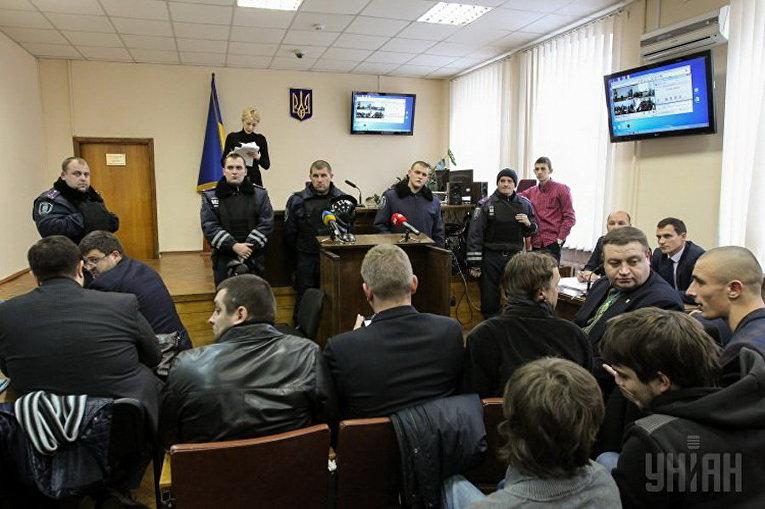 Заседание Подольского райсуда по делу о беспорядках возле ВР 31 августа 2015