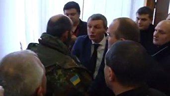 Драка депутатов в Ровенском облсовете из-за янтаря