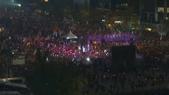 Многотысячный митинг за отставку президента в Сеуле. Видео