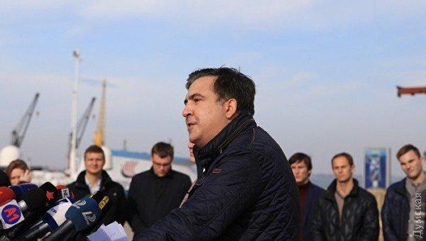 Порошенко прокомментировал отставку Саакашвили споста губернатора