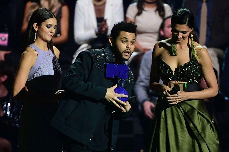 Канадский певец с эфиопскими корнями The Weeknd победитель в номинации Лучшее видео на MTV Europe Music Awards